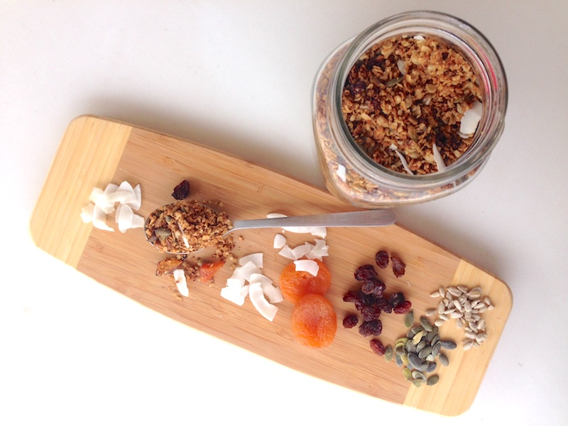 recipe crunchy granola no sugar_holisticbodymind